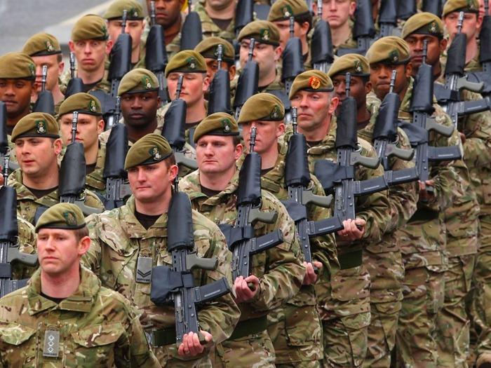 Brit csapatok